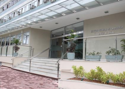 O Instituto Estadual de Cardiologia Aloysio de Castro foi criado em 1941. A sede está instalada no bairro Humaitá desde 1967