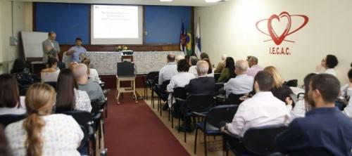 Iecac promove jornada científica de cardiologia